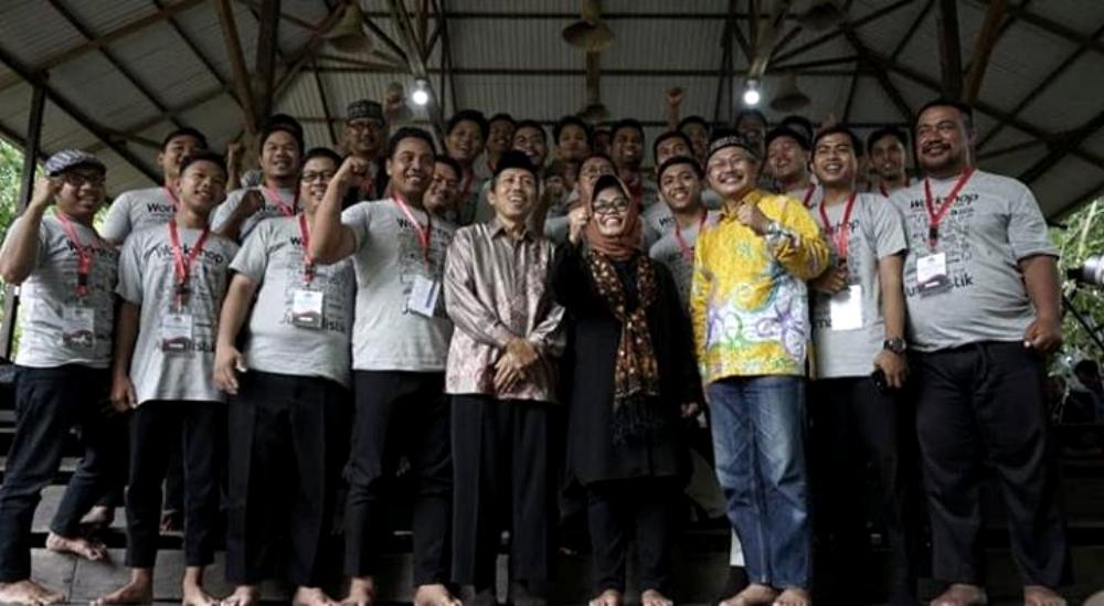 Foto bersama Wali Kota Bontang Hj. neni Moernianeni dengan para pengurus dan peserta. Foto: Pemkot Bontang