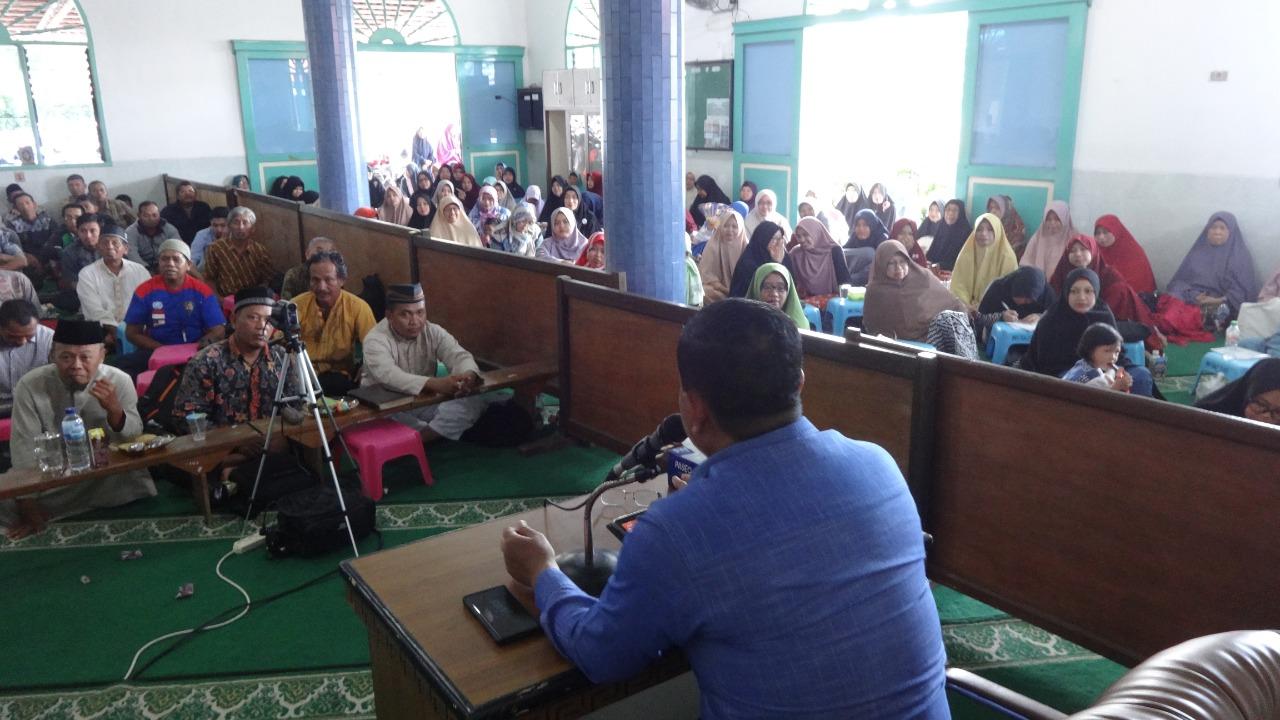 Peserta pengajian di Masjid Baitul A'la Sepinggan, Minggu (15/12). Foto: LINES