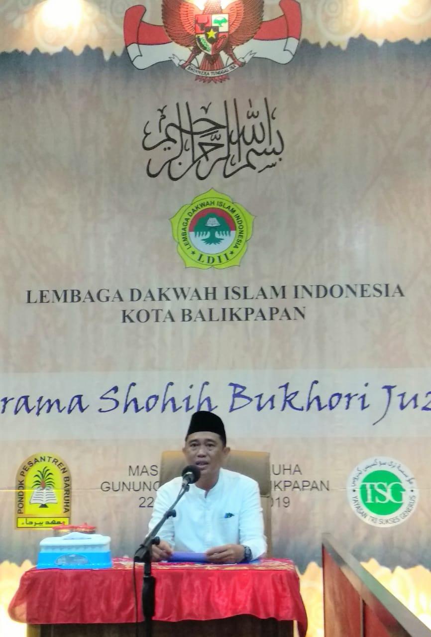 Camat Balikpapan Tengah Adi Gunawan mewakili Wakil Wali Kota H Rahmad Mas'ud. Foto: LINES