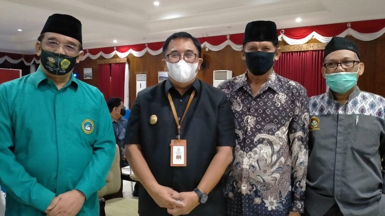 Ketua LDII H Herry Fathamsyah bersama Wali Kota Rizal Effendi bersama dua orang Wakil Ketua DPD LDII H Herman Arsyad dan H Anzaruddin, Foto: Istimewa