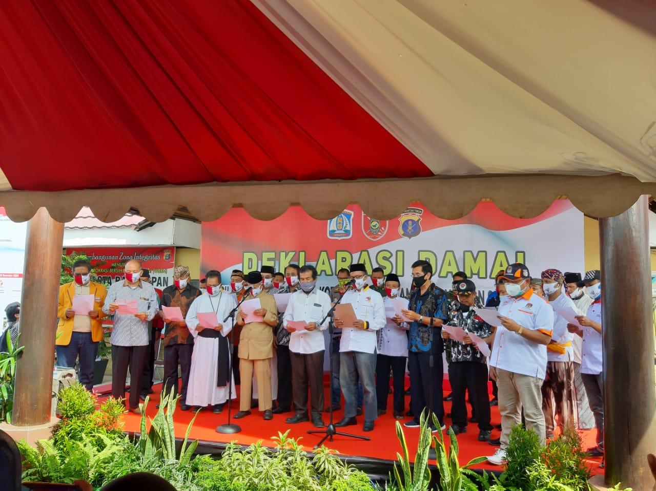 Pembacaann deklarasi bersama Pilkada Serentak 2020 damai. Foto: Istimewa