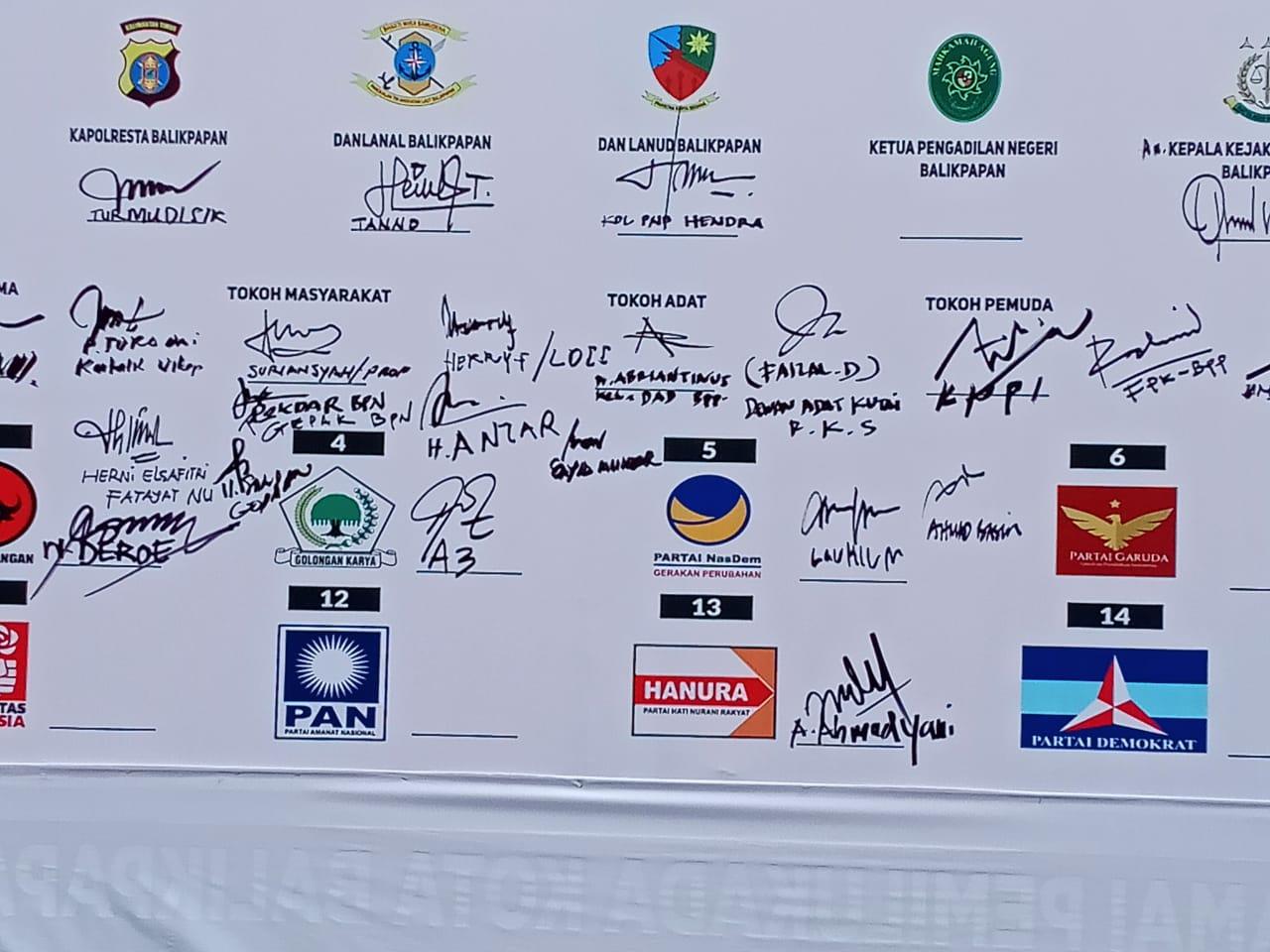 Tanda tangan Ketua DPD LDII Balikpapan deklarasi Pilkada damai 2020. Foto: Istimewa