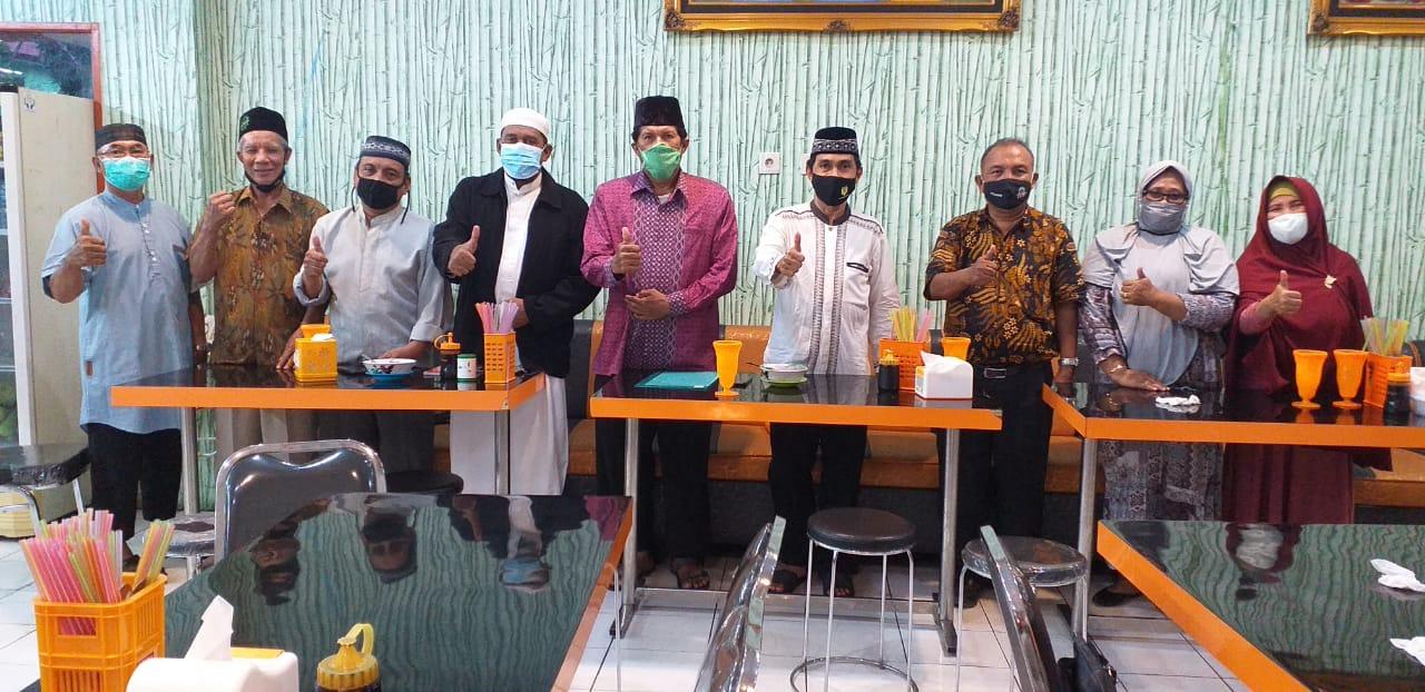 Silaturahmi akhir tahun 2020 pengurus MUI Kecamatan Balikpapan Selatan, Kamis (31/12) malam. Foto: Istimewa