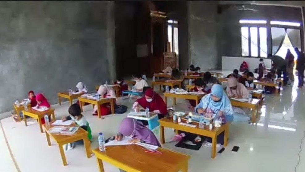 Lomba Kaligrafi dariPC Balikpapan Tengah.